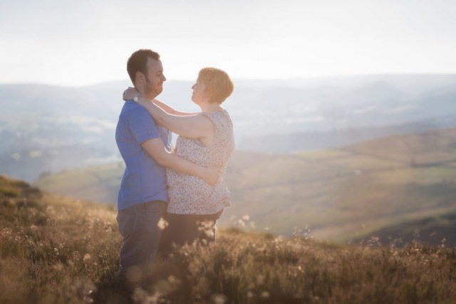Derbyshire Engagement Shoot - Higger Tor